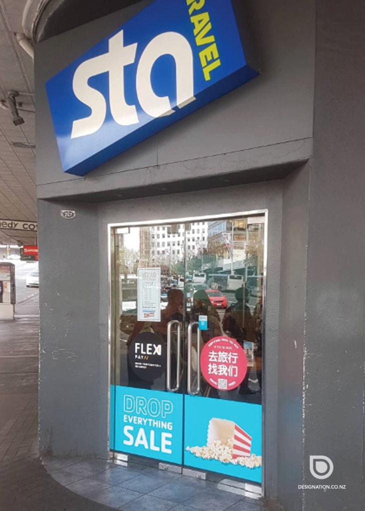 retailsignage-statravel